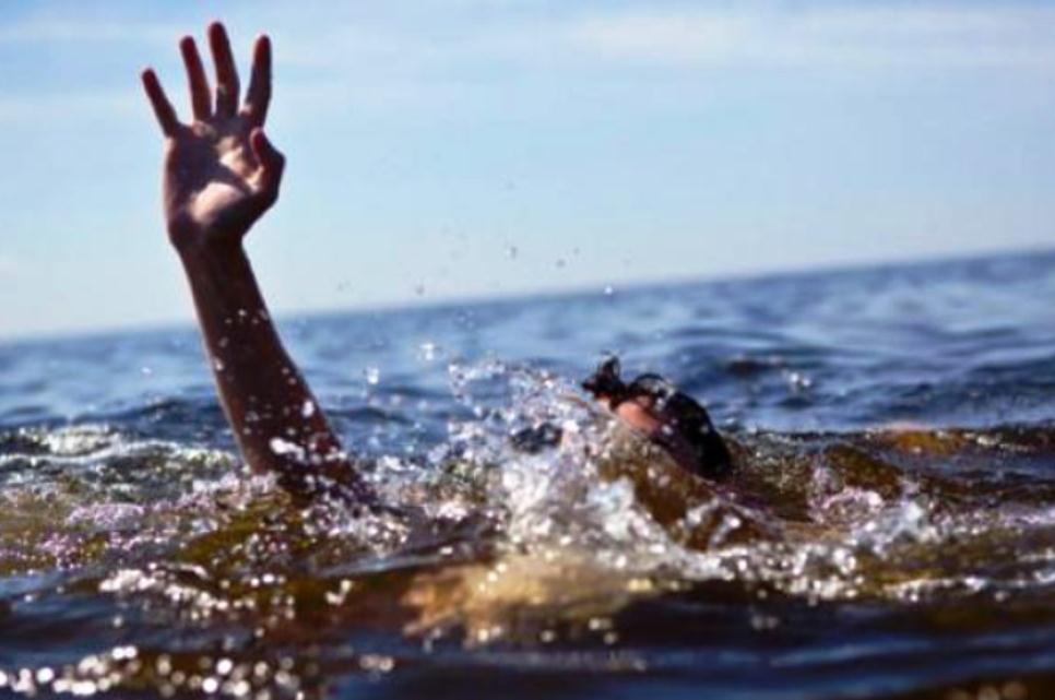 Wisatawan China Digulung Ombak di Pantai Gunungkidul - Portal Berita ... 7462f275c1